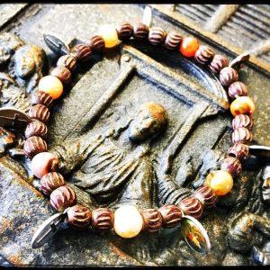 Holz, Amulette, Halbedelsteine